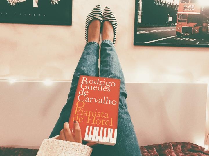 'O Pianista de Hotel', de Rodrigo Guedes de Carvalho: uma sinfonia desensações